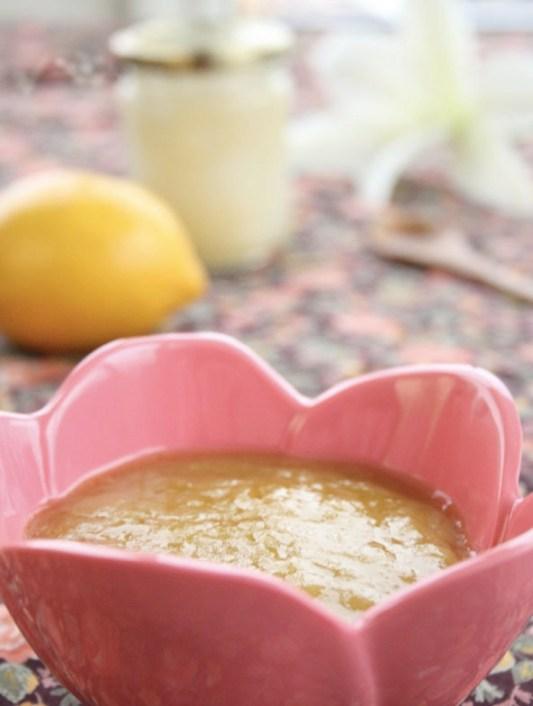 Ingeniørfruens-hjemmelagde-hårkur-med-honning-og-olivenolje-copy
