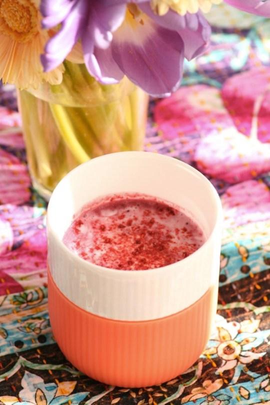Ingeniørfruens-heilnorske-smoothie-med-kefir-og-bær