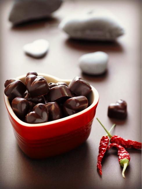 Sunn-oppskrift-på-sukkerfri-chilisjokolade