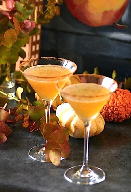 HAPPY-HOUR-Drink-cocktail-Pumpkin-Pie-Wonderland-Halloweendrink