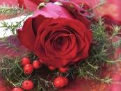 Lag-selv-bordpynt-av-roser