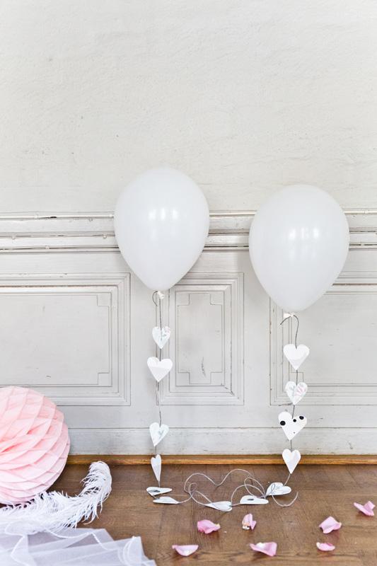BORDDEKKINGSTIPS Tapet som dekor på bryllupsbordet