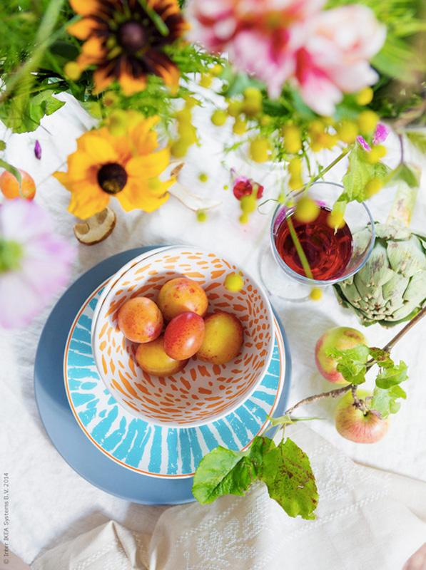 INTERIØRTIPS - Borddekking av vakkert og fargerikt høstbordbord med blomster