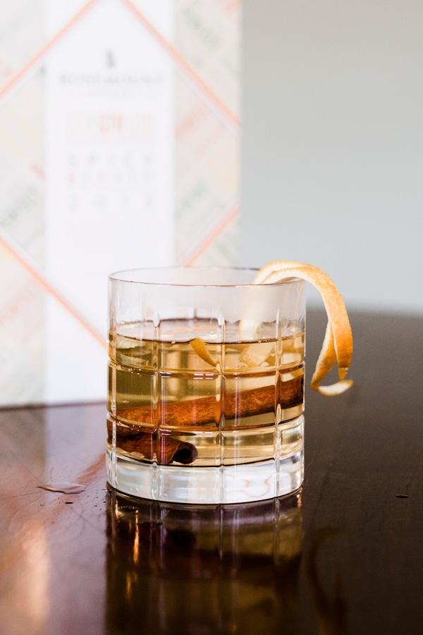 DRINKER OG COCKTAILS Gløgg med hvitvin og krydder