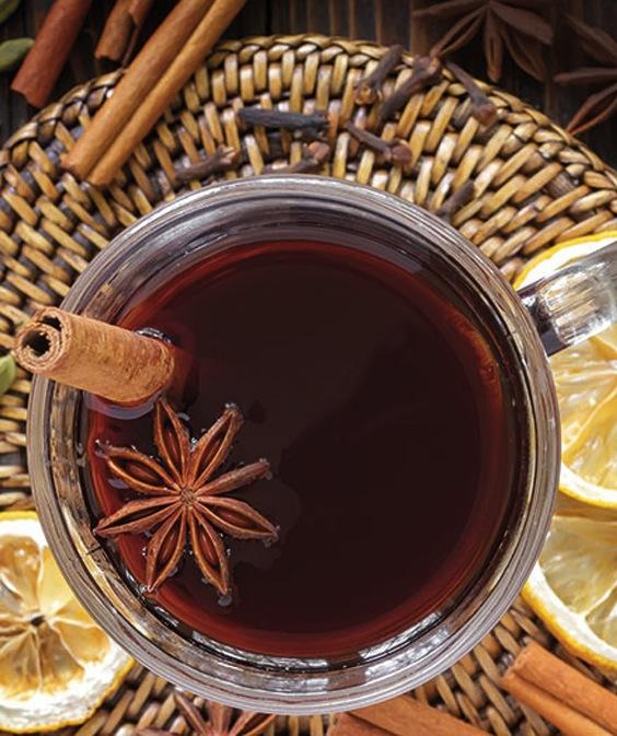 Økologisk-alkoholfri-julegløgg-med-te-og-blåbærjuice