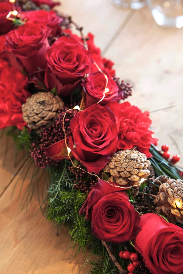 03 BORDDEKKING - DIY Lag selv blomsterdekorasjoner til julebordet