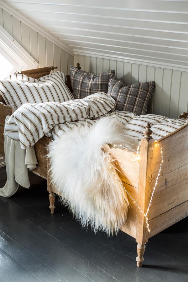 INTERIØRTIPS til hytta - hotellstil eller tradisjonell stil på soverommet