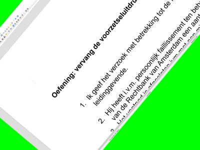 Screendump van oefening voorzetseluitdrukkingen.