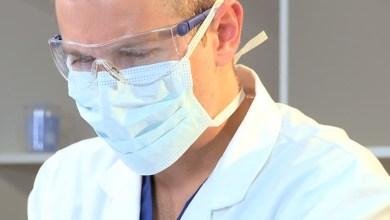 Photo of رسالة مؤثّرة من طبيب الأمراض المعدية في ميلانو عن تجربة يعيشها اليوم الكثير من الأطبّاء