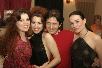 Maria Olon with friends 7