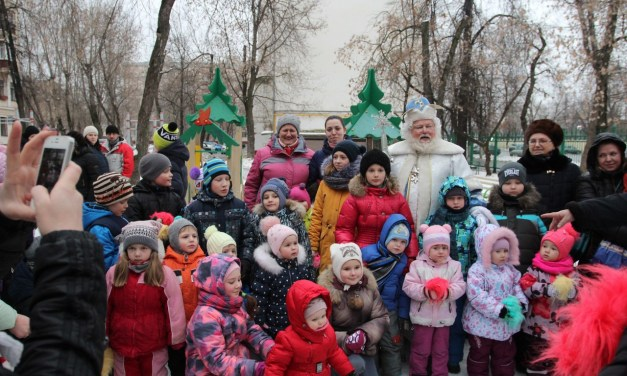 Дед Мороз поздравил жителей Люблино