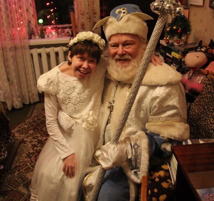 Дед мороз поздравляет с Новым годом особенных детей!