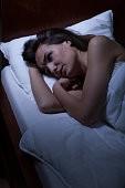 женщина в кровати
