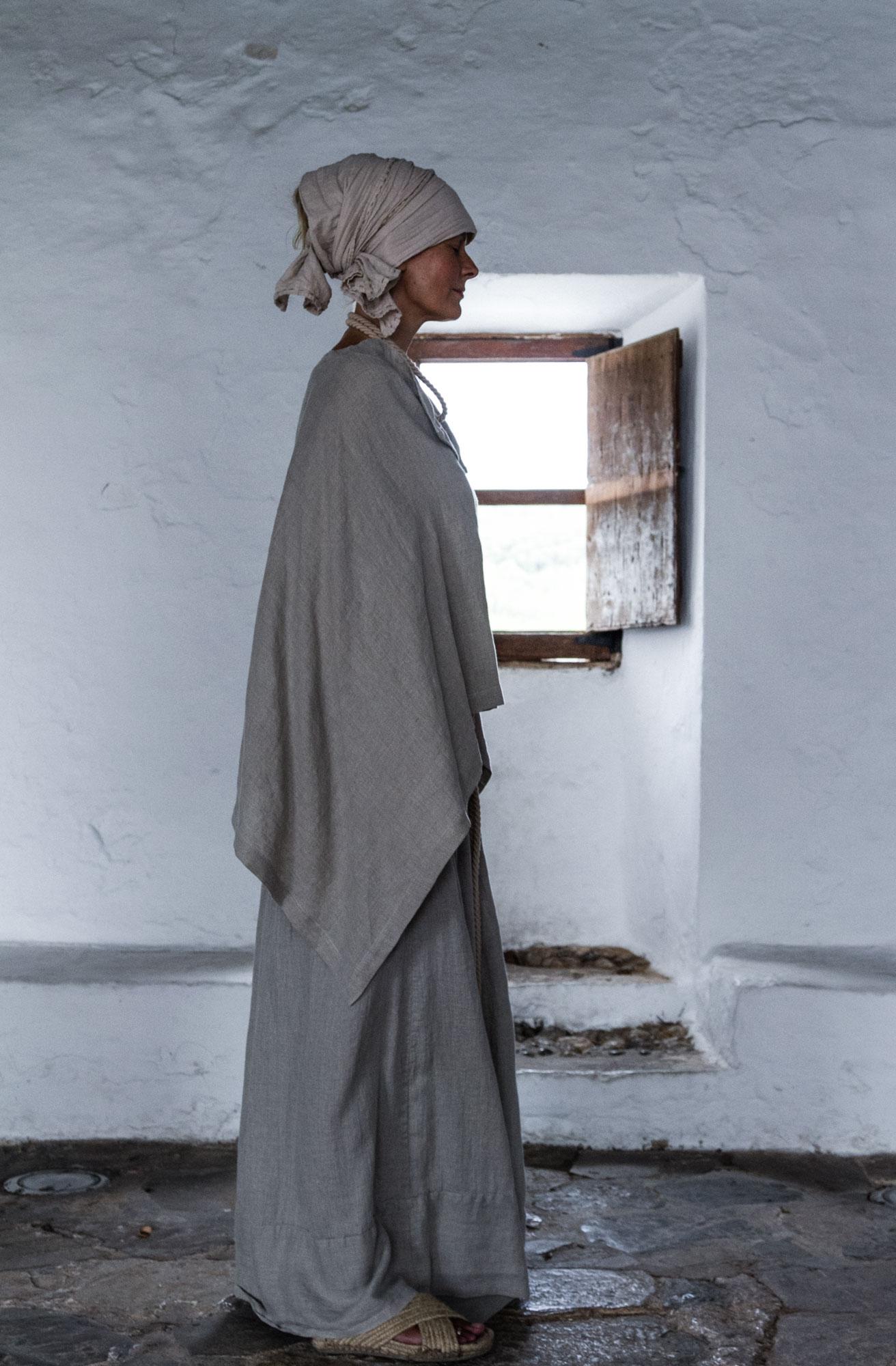 Los campos de Ibiza han inspirado a Camila para diseñar su nueva colección que huele a Mediterráneo. - Fotografía: Maria Santos Photography