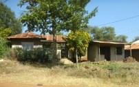 Haus a. d. Str. n. Moshi