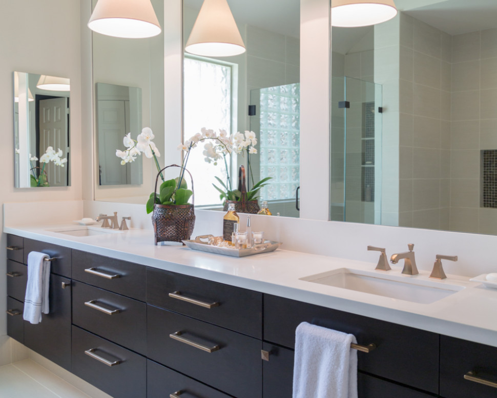 BEFORE & AFTER: A Master Bathroom Remodel Surprises Everyone With ...