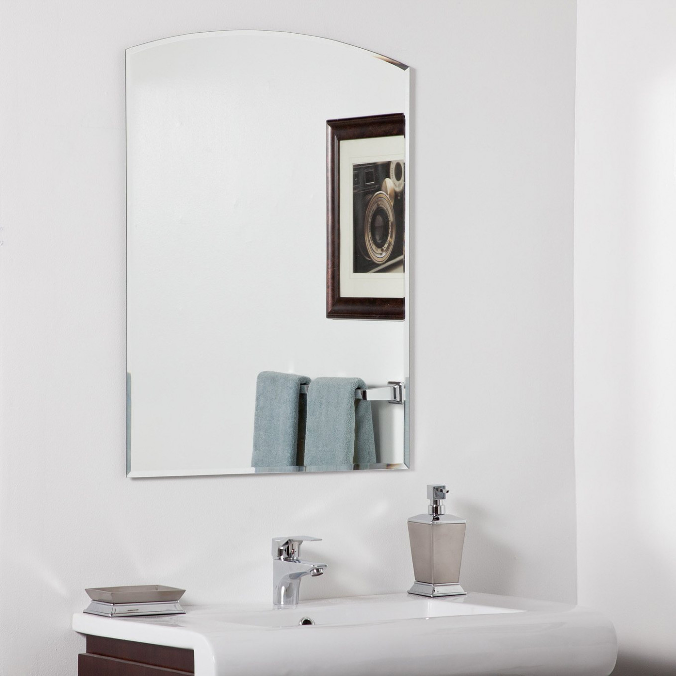 Decor Wonderland SSM210 Katherine Modern Bathroom Mirror ...