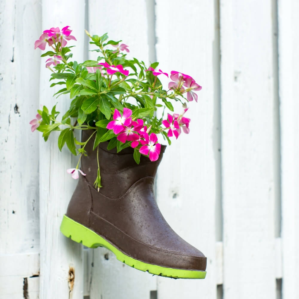 31 shoe and boot planter ideas (photos) with Garden Vases Boots