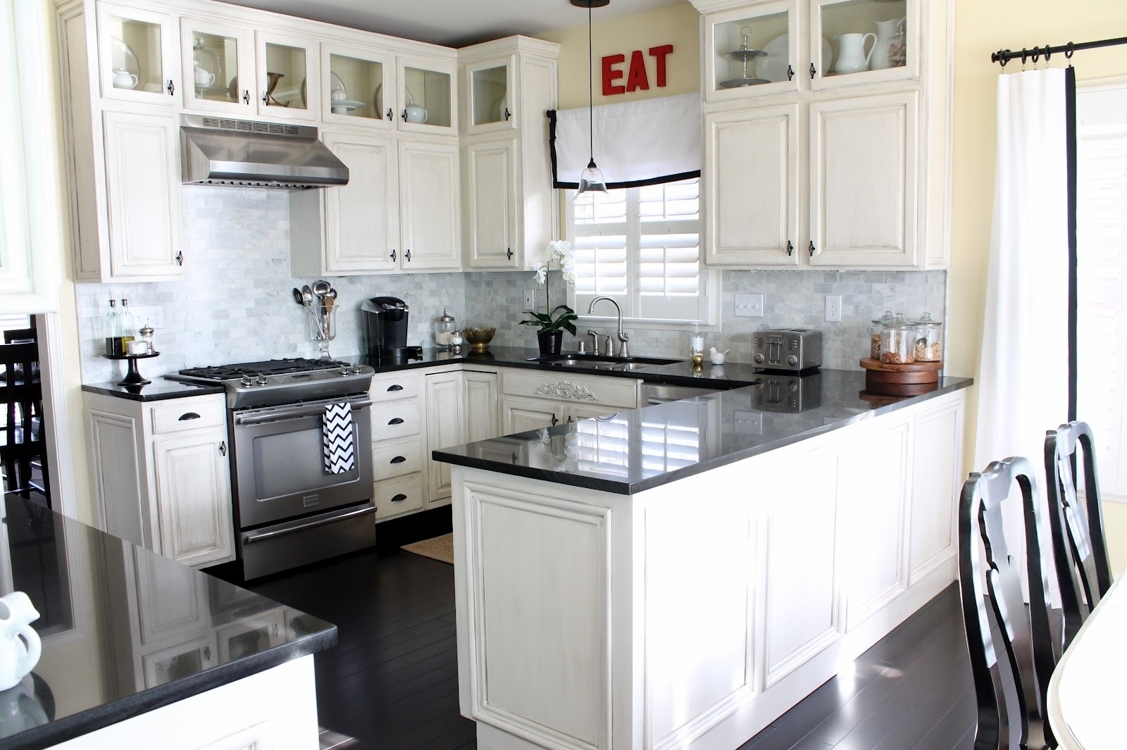 collection in white kitchen design ideas on house remodel with Traditional Kitchen Designs Ideas