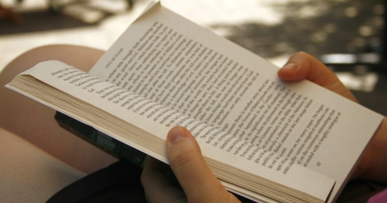 These 6 Amazing Things Will Happen If You Read Before Bed