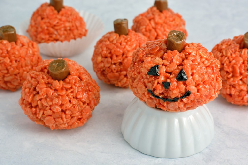 Peanut-Butter-Rice-Krispie-Treat-Pumpkins-Recipe
