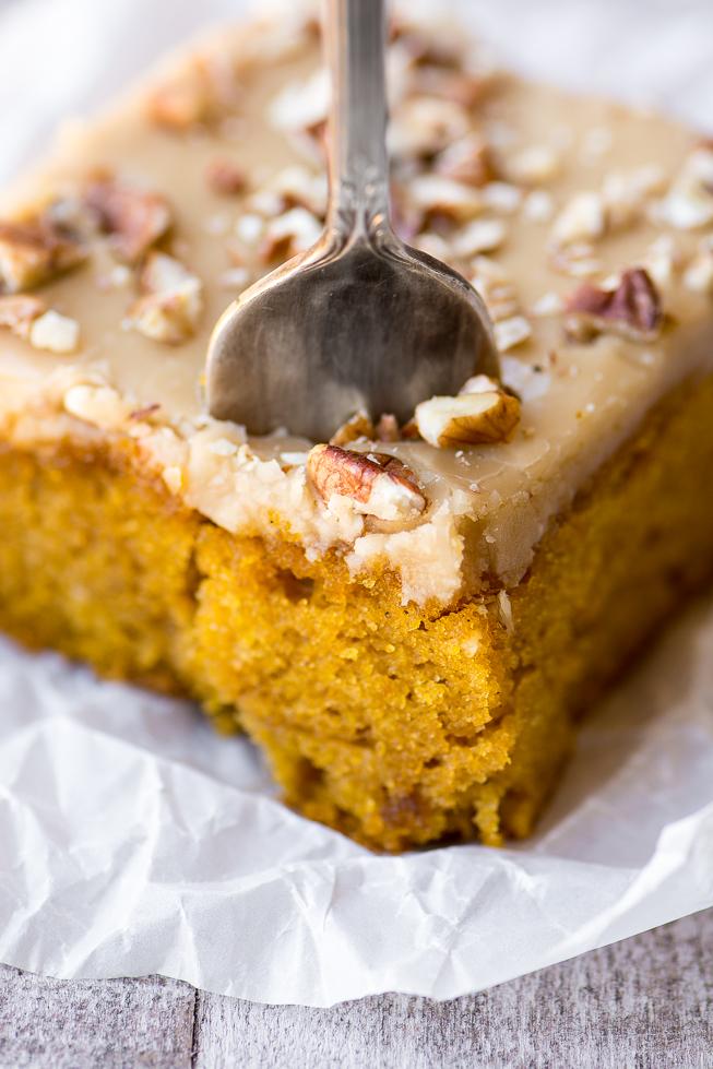 pumpkin-cake-with-praline-frosting-736-2