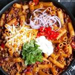 SKILLET CHILI MAC-N-CHEESE