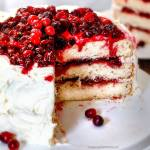 WHITE CAKE WITH CRANBERRY FILLING