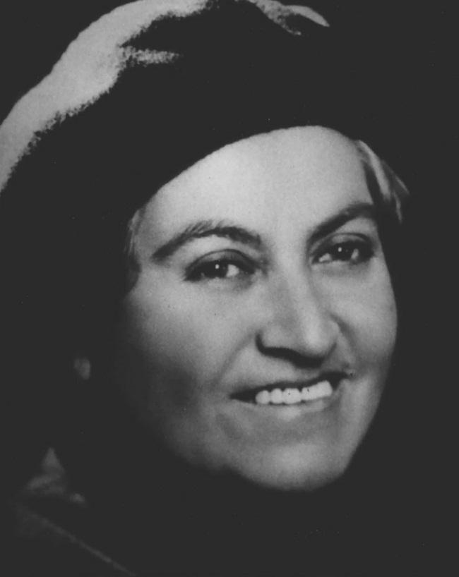 Gabriela Mistral-1