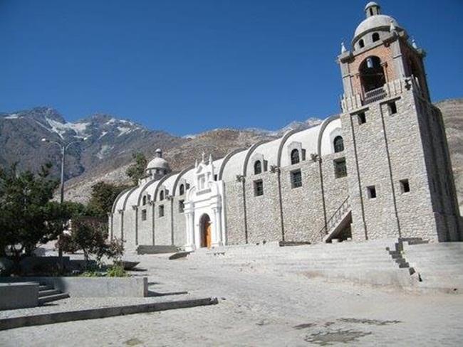 iglesia-de-piedra-de-quinistacas