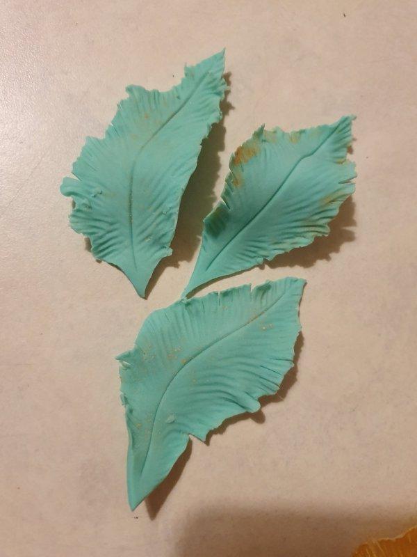 Handmade fondant feathers jade teal Marie Makes 3