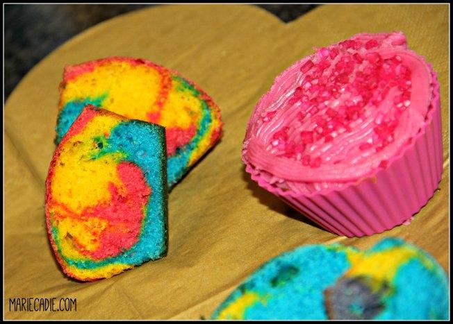 mariecadie-com-red-velvet-rainbow-cupcakes-6