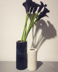 2 vases anneaux encre bleue et biscuit de porcelaine, mariecarolinelemansceramique