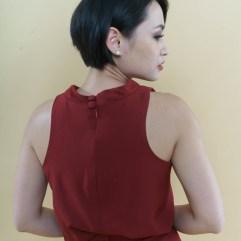 Full zipper at the back