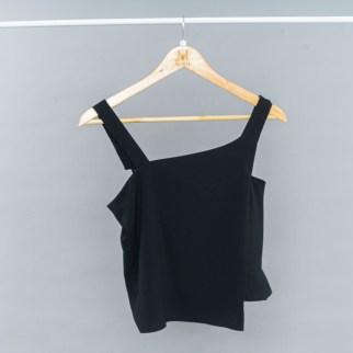 Asymmetrical neckline