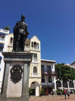 Statue of Pedro de Heredia, founder of Cartagena, next to Torre del Reloj