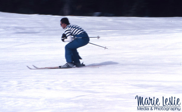 panning a skier