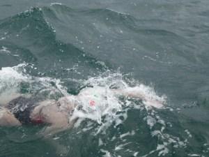 Las olas revolcándome a la mitad del Canal de la Mancha
