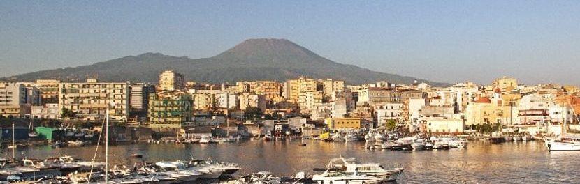 Malore a due passi dal mare: pensionato muore sulla banchina del porto