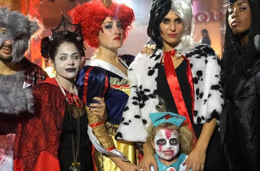 Un sabato Sballoween: a Napoli va in scena la festa di Halloween in chiave tragicomica.