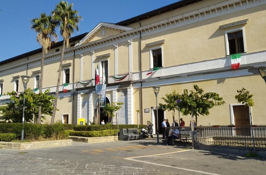 """Nove sindaci scrivono a ministro degli Interni: """"Lo Stato ci aiuti con i controlli anti Covid"""""""