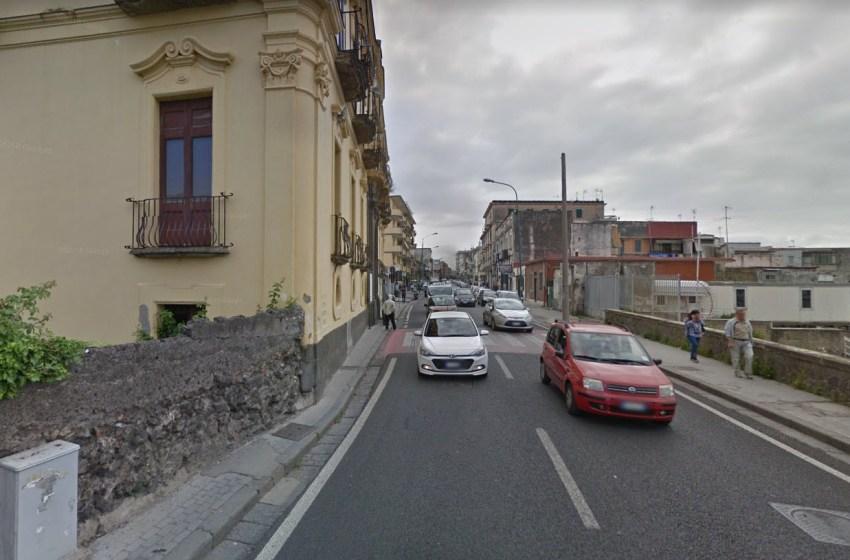 Grave incidente in via Purgatorio: anziana travolta da un'auto