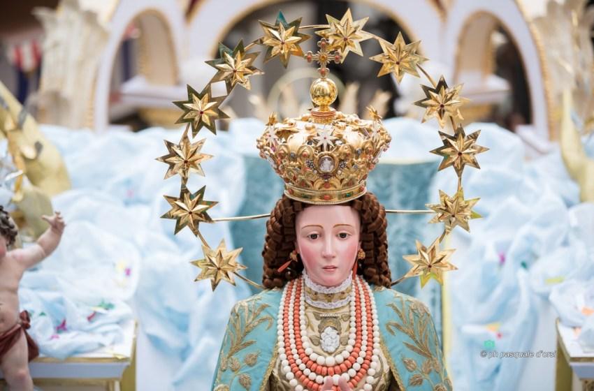 I torresi si affidano all'Immacolata e a San Vincenzo per liberare il mondo dal Covid19