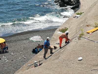 docce-spiaggia-libera-torre-del-greco-mariella-romano-cronaca