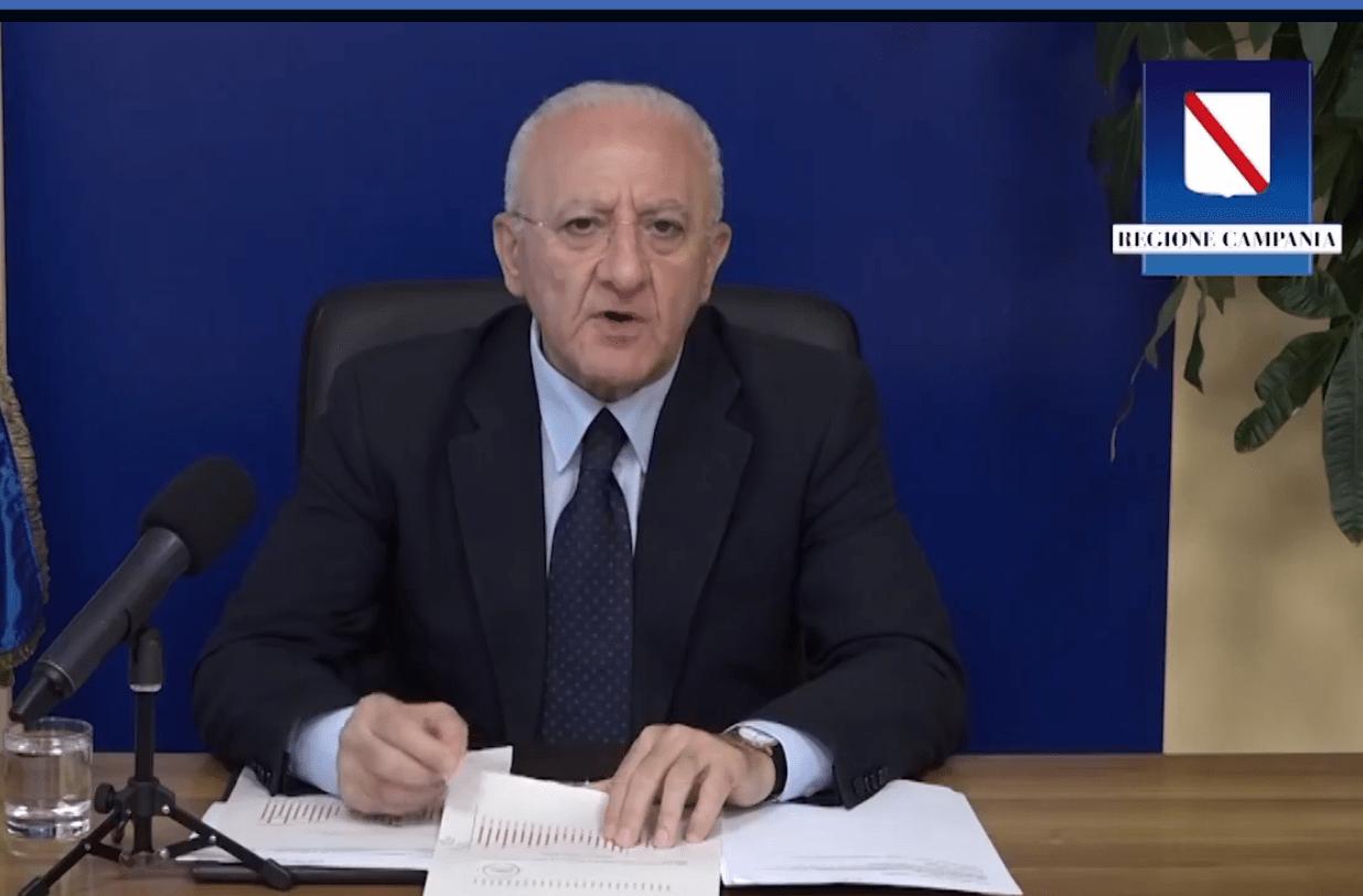 """""""La Campania è zona rossa"""", l'annuncio del presidente Vincenzo De Luca"""