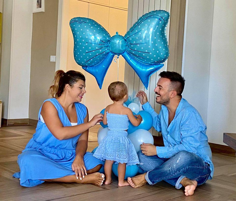 Andrea Sannino con la famiglia, foto da Facebook