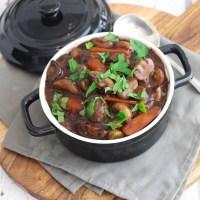 Vegetarisch stoofpotje met champignons en worteltjes
