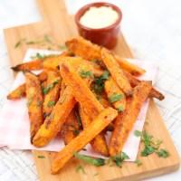 Krokante zoete aardappel frietjes