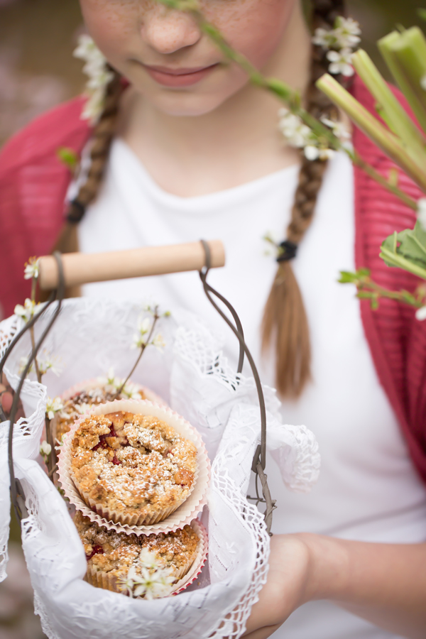 cupcakes-with-rhubarb-by-marieola