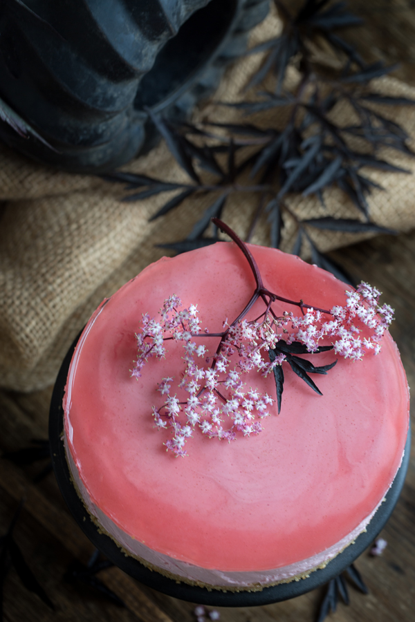 pink-elderflowercake-by-marieola